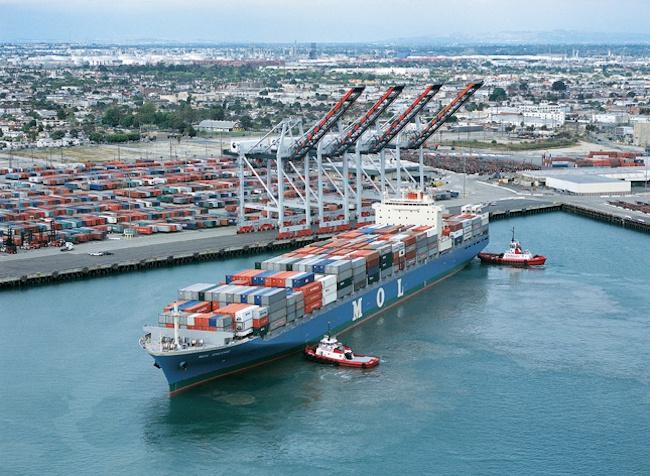 Bilderesultat for ships at port